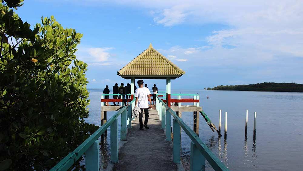 Pantai bama Tempat Wisata di Situbondo