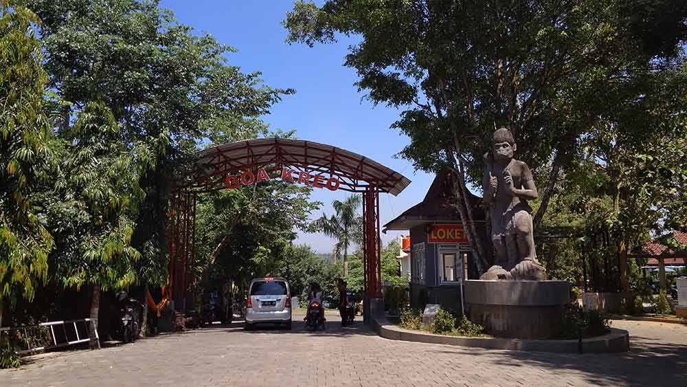 Harga tiket masuk Goa Kreo, Tempat Wisata di Semarang)