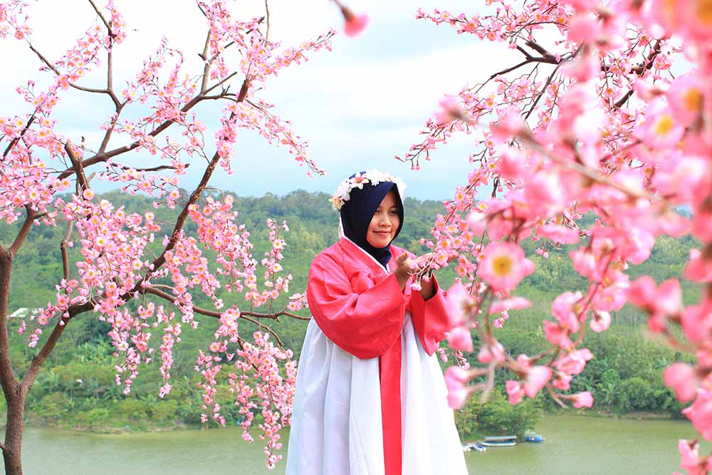 Sakura di Goa Kreo, Tempat Wisata di Semarang