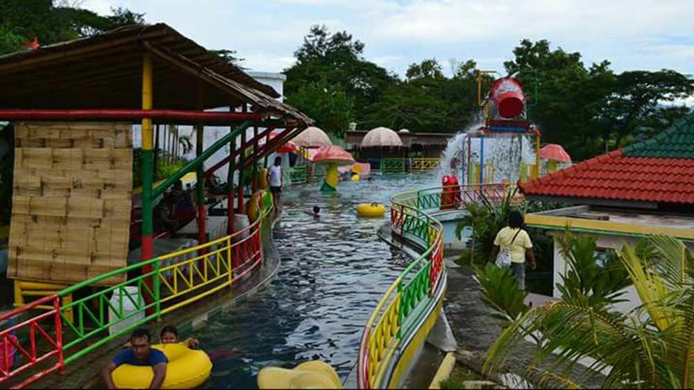 Waterboom Gajah Mungkur Wonogiri