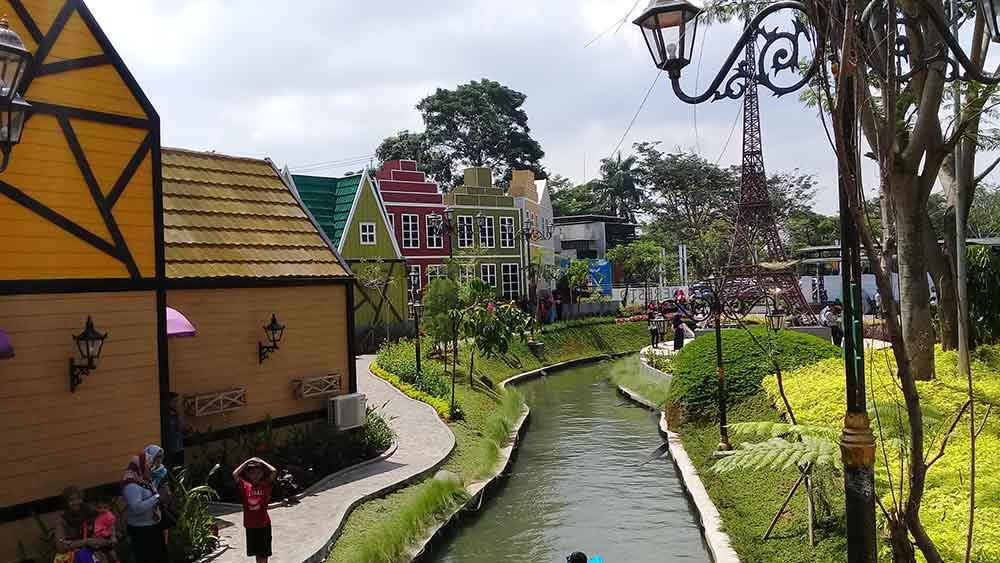 Wahana di Devoyage Bogor