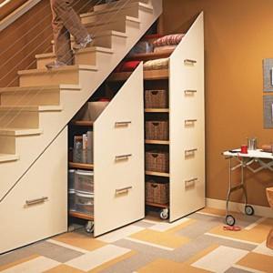 almari dibawah tangga