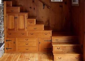 tangga almari