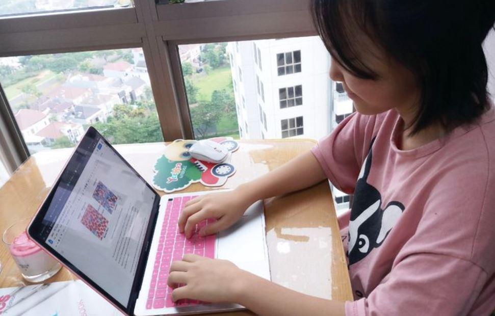Keuntungan dan kekurangan belajar di rumah