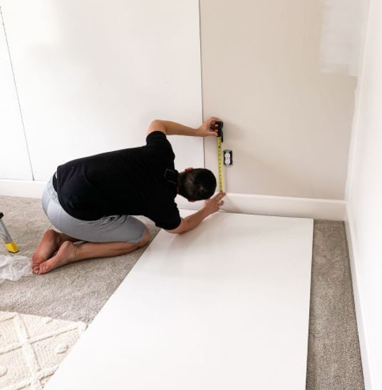 Ini Dia Cara Pasang Wallpaper Dinding dengan Mudah dan Cepat!