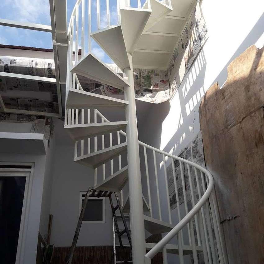 tangga putar minimalis