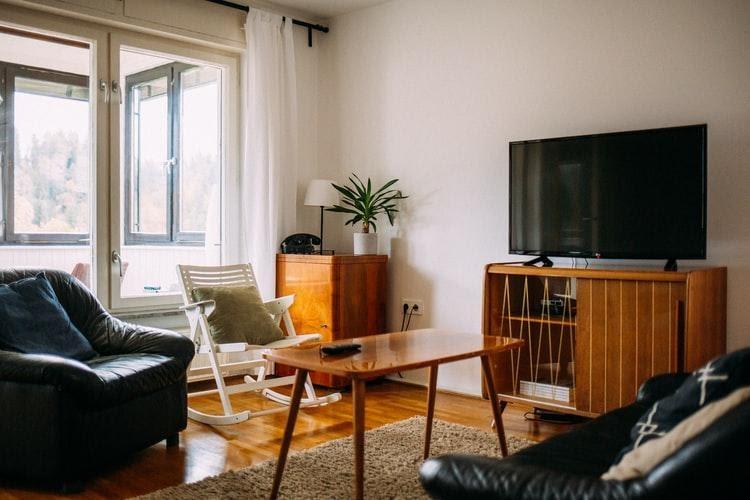 Model meja tv minimalis