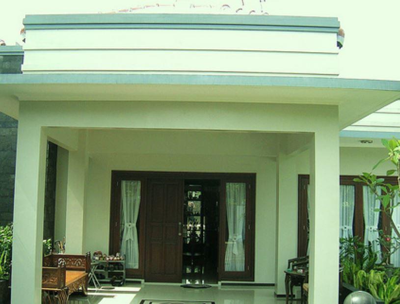 model teras rumah klasik