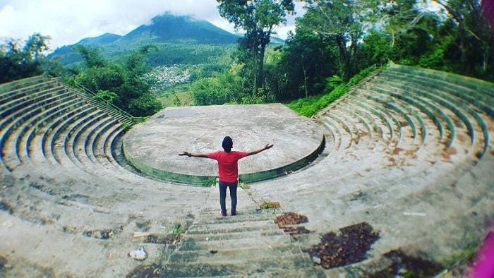 amphitheater woloan