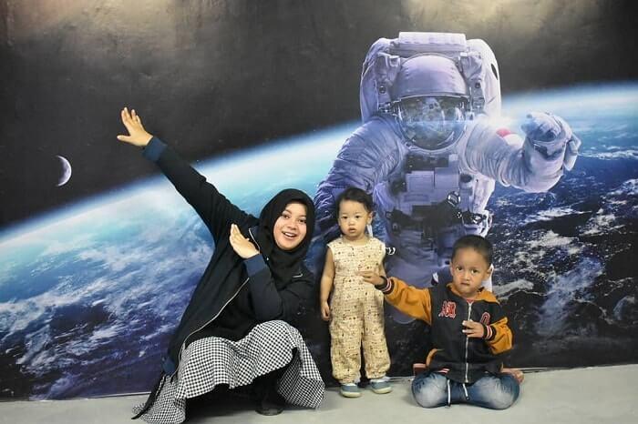 astronot di bandung champion city