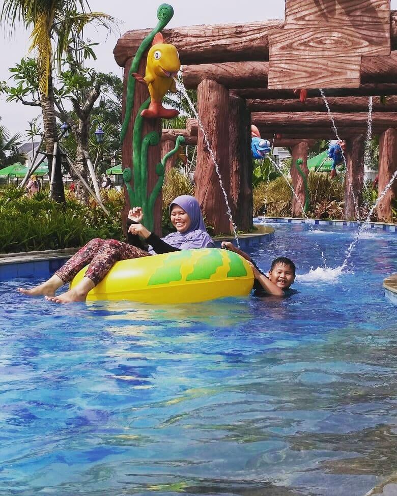 asyiknya liburan di batavia splash water tangerang