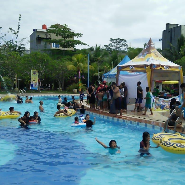 asyiknya liburan di caribbean island waterpark balikpapan