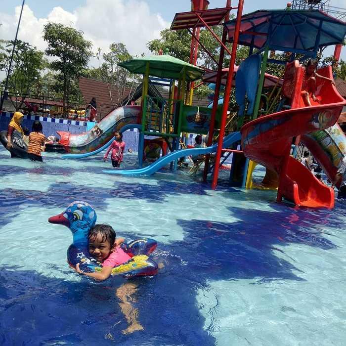 asyiknya liburan di danuwo waterpark