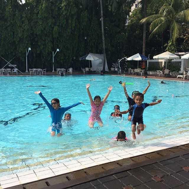 asyiknya liburan di kolam renang citos