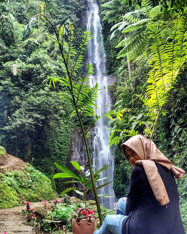 asyiknya liburan di wisata coban baung gunung kawi