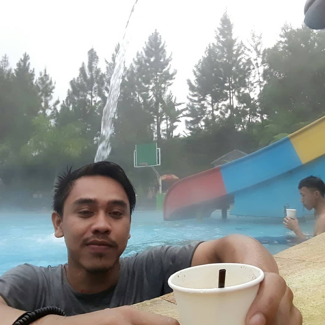 pemandian air panas guci