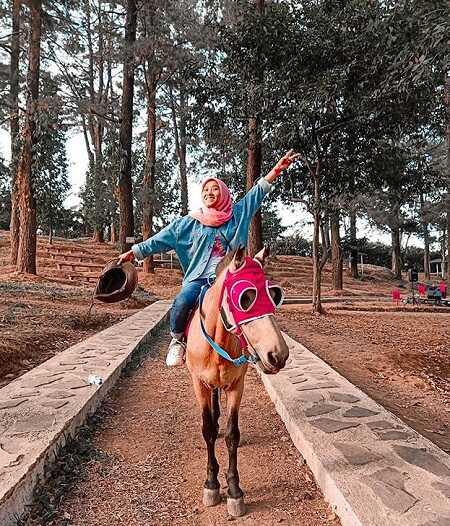 berkuda di woodland kuningan