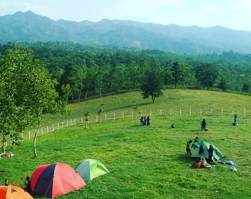 camping di bukit waruwangi serang banten