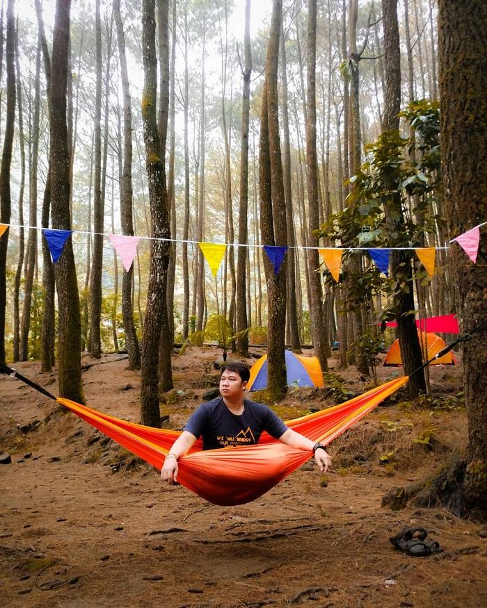 hammocking di loji suaka elang