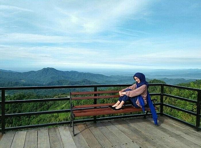indahnya panorama alam di puncak widosari jogja