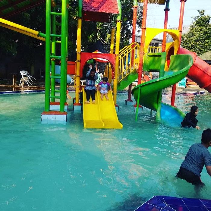 kolam renang anak di arcici sport center jakarta pusat