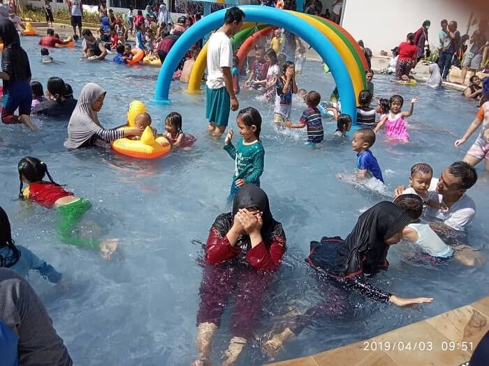 kolam renang anak di go splash panjibuwono
