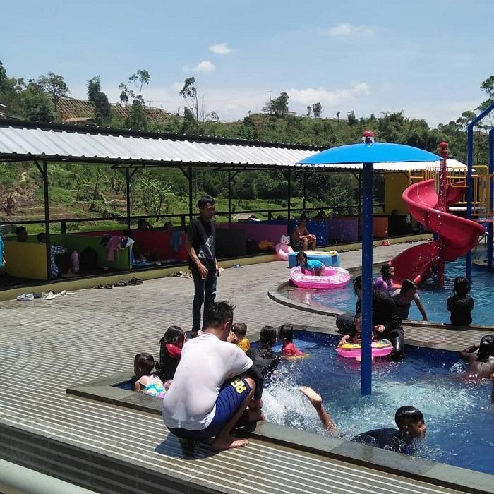 kolam renang anak di palalangon park ciwidey