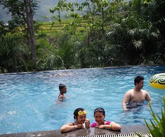 kolam renang bess resort