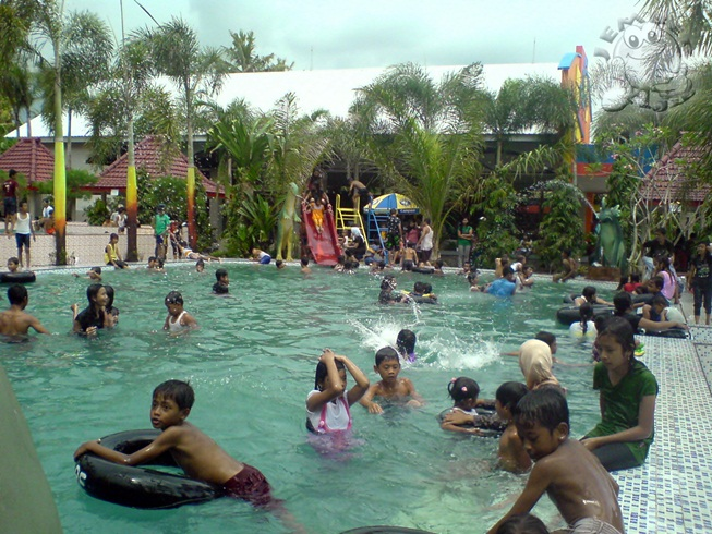 kolam renang dammiq
