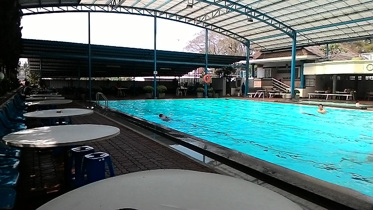 kolam renang air panas di hotel abadi asri