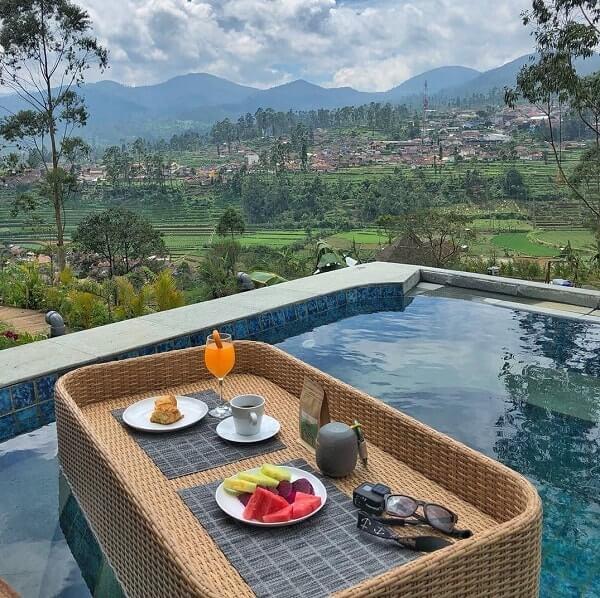 kolam renang elegan di bubu jungle resort