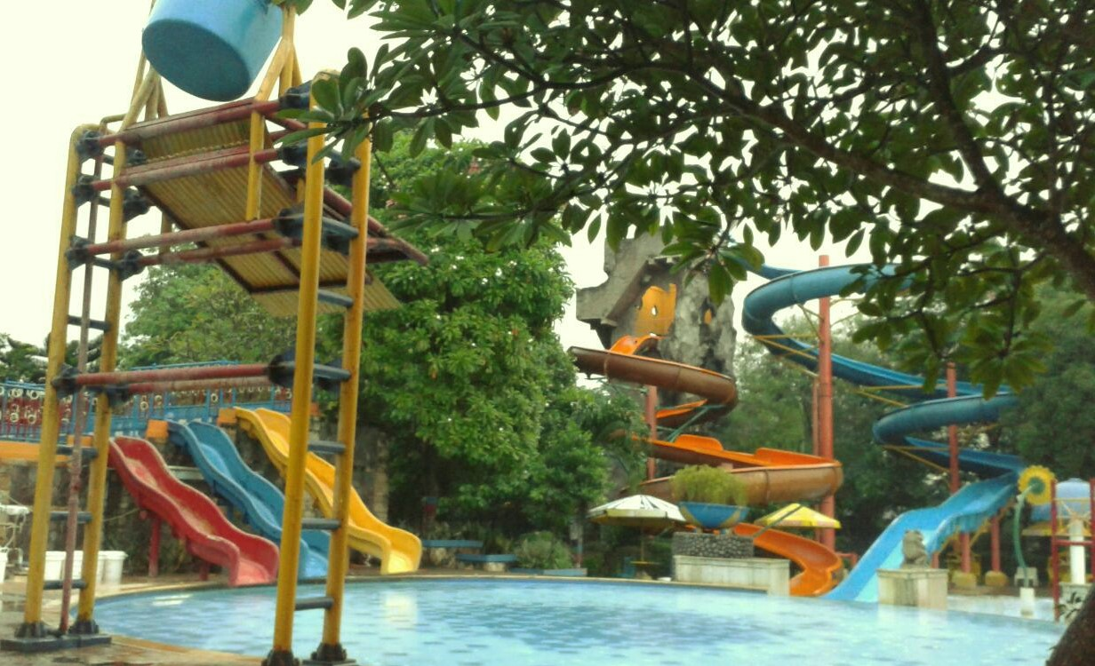 kolam renang fun park cibitung
