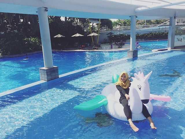 kolam renang istana dieng club house