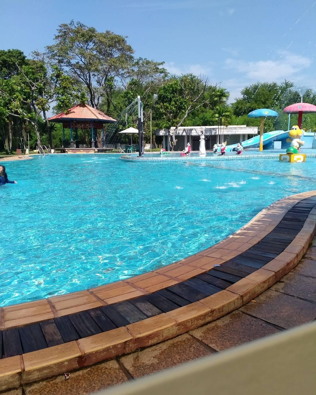 kolam renang marina semarang