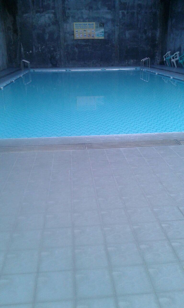 kolam renang muslimah isyka