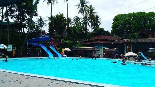 kolam renang taman rekreasi tlogomas