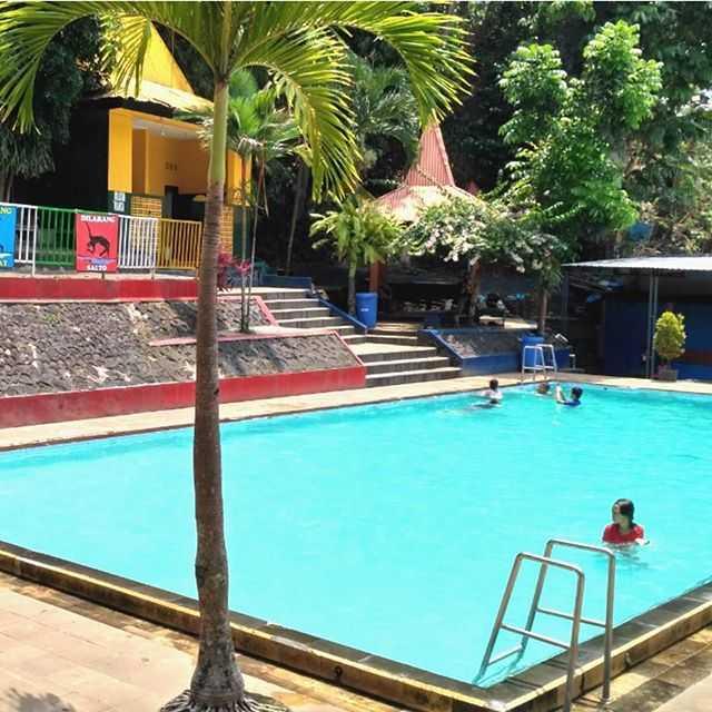 kolam renang tarekot