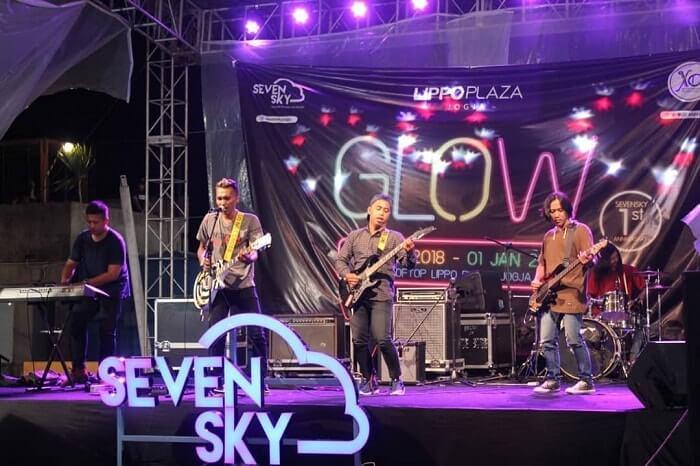 live music di seven sky