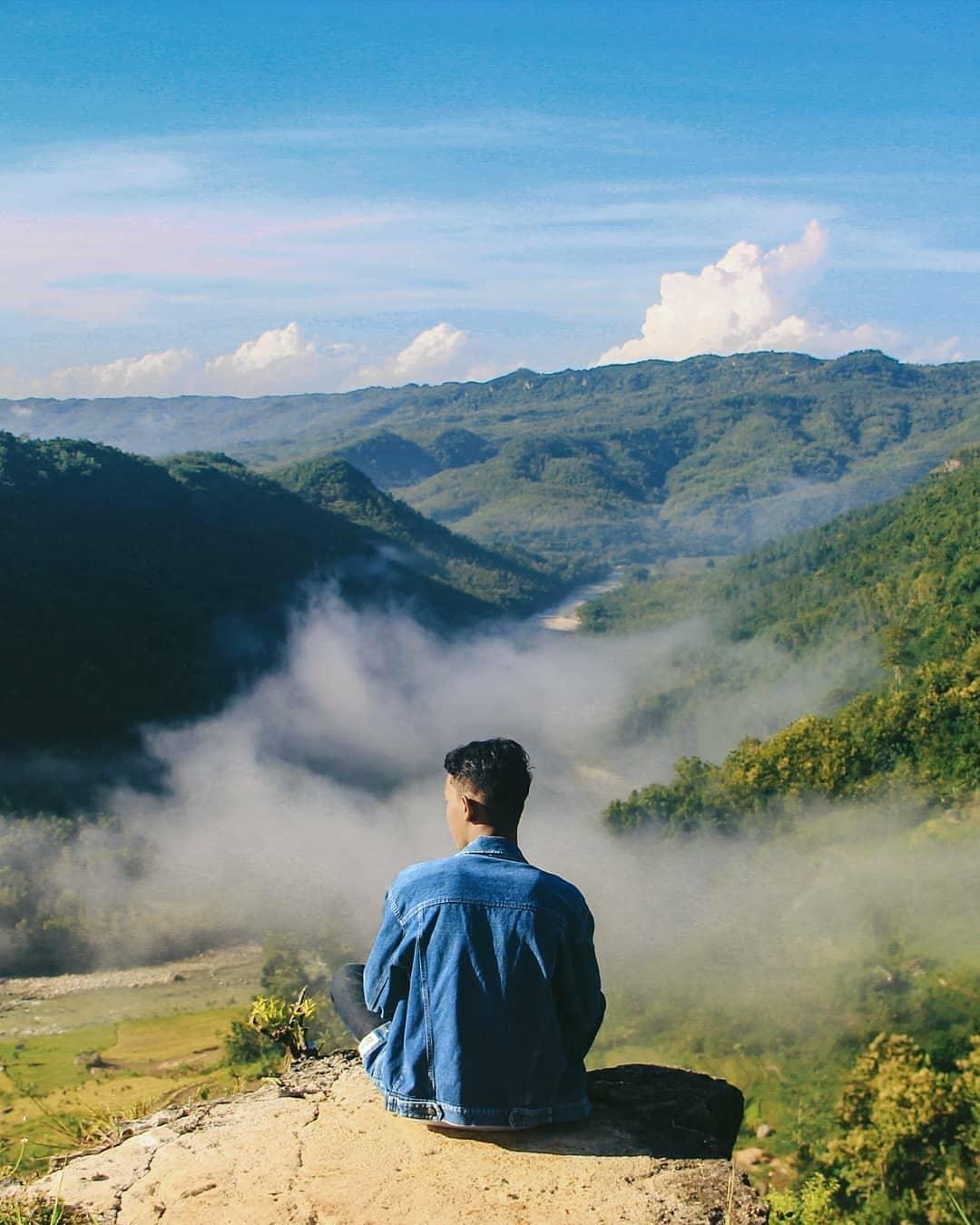 memandangi panorama alam yang sangat menakjubkan di ekowisata jatisari dlingo
