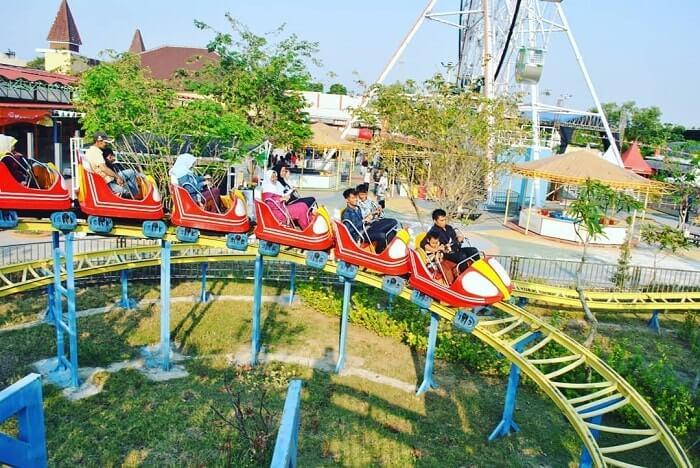 mini coaster di rita park tegal