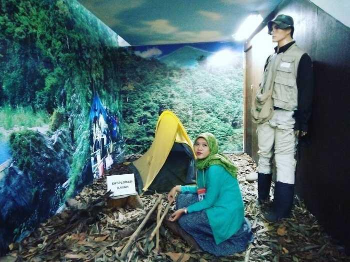 monumen nasional sejarah alam indonesia di bogor