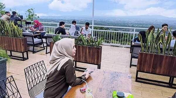nongkrong di taman langit cafe purwokerto