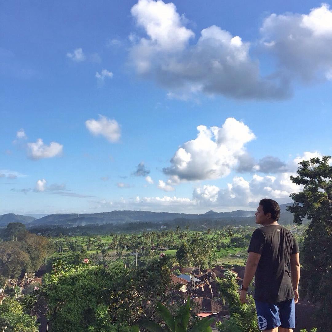 panorama alam di rumah pohon bukit lemped