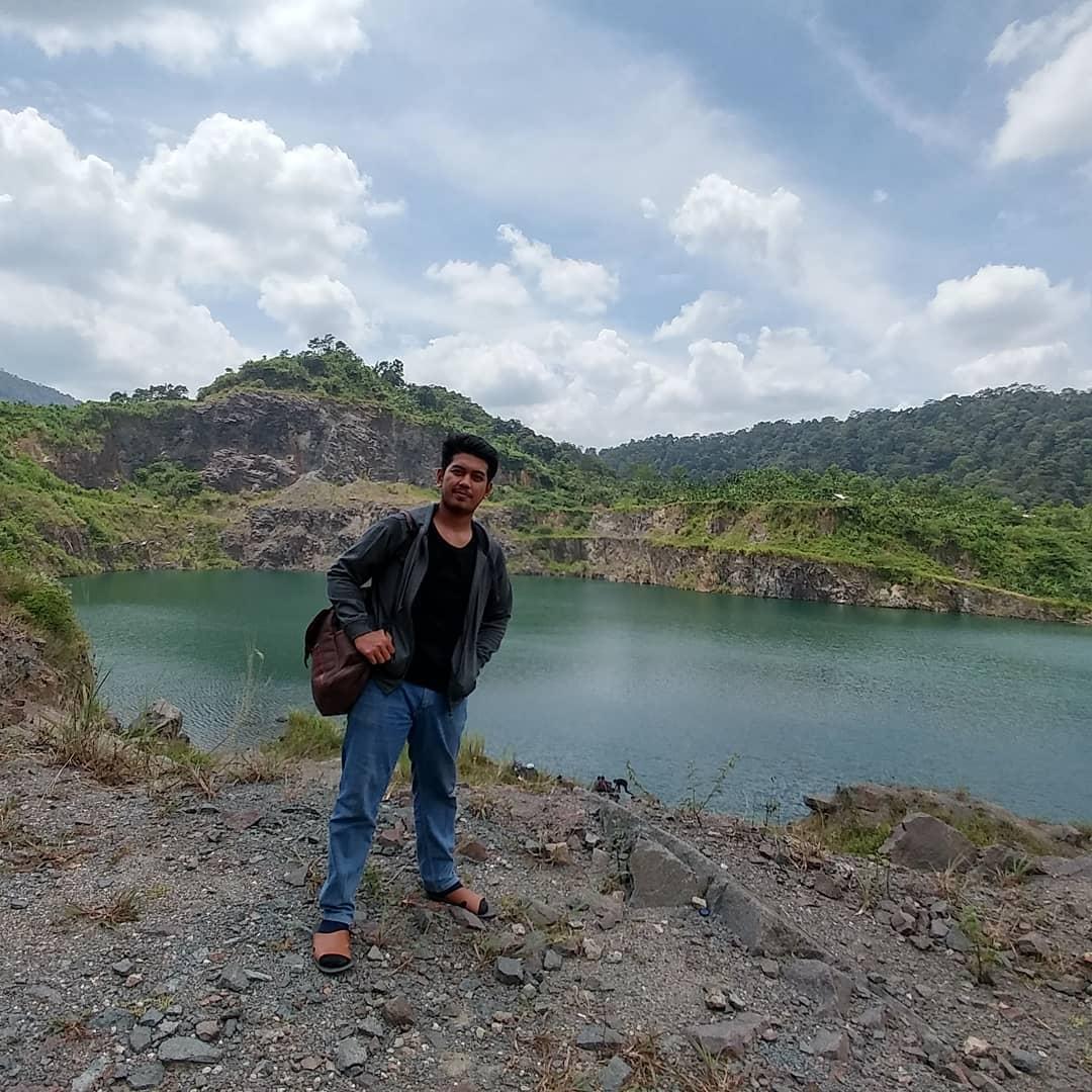 panorama danau quarry