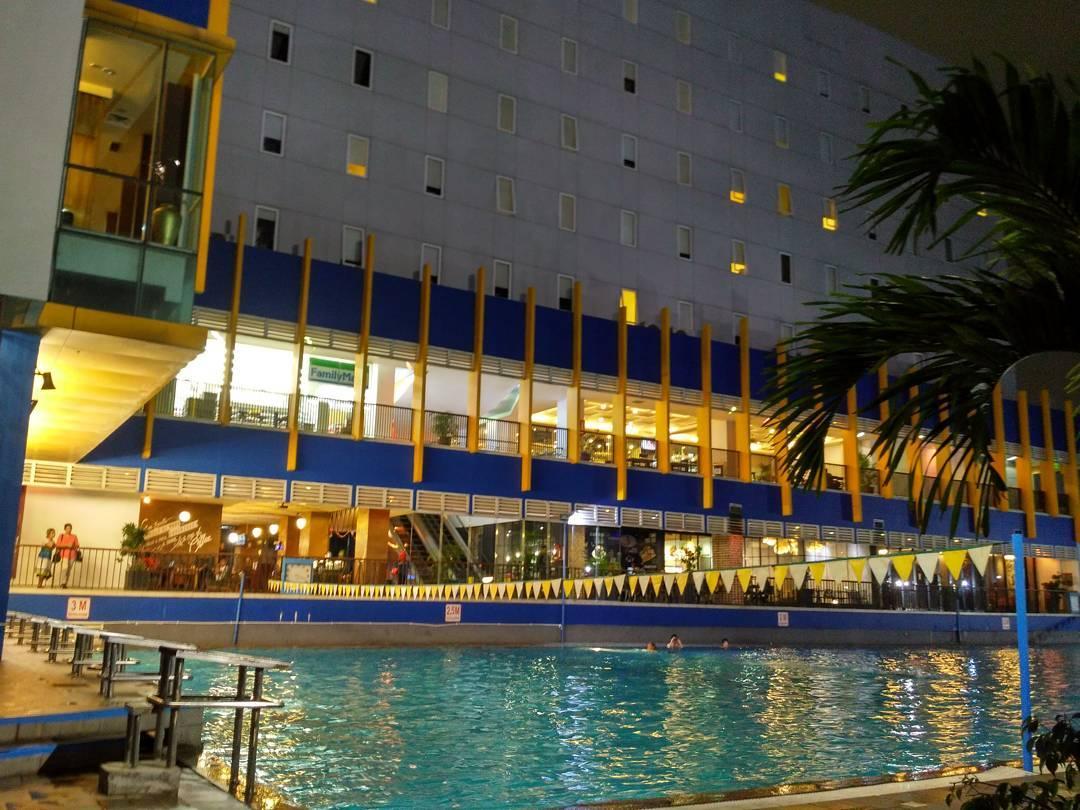 panorama kolam renang cikini