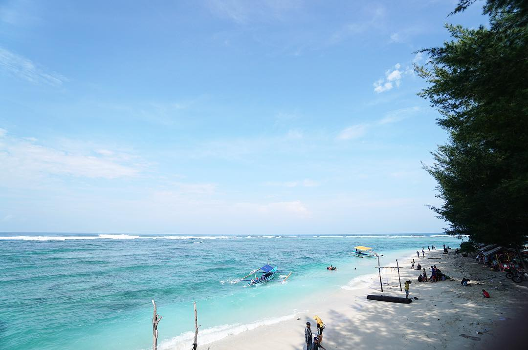 panorama pantai laguna lembupurwo kebumen