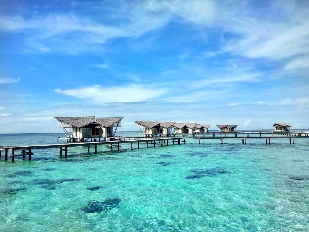 panorama pulau cinta yang sangat mempesona
