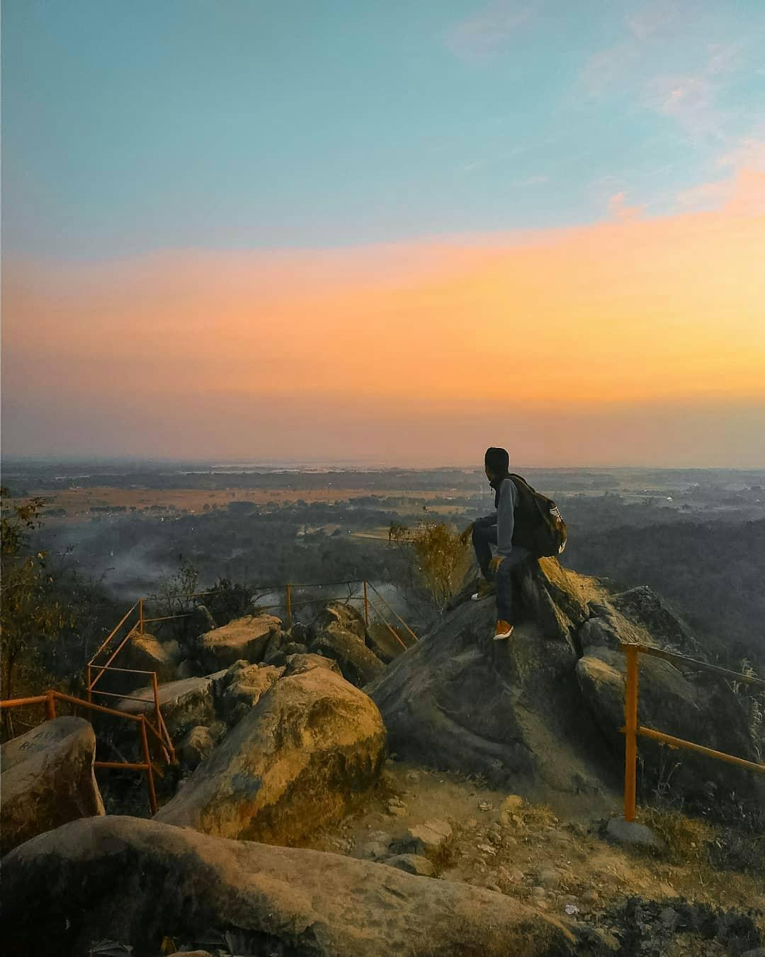 panorama sunset di cadas gantung majalengka kuningan