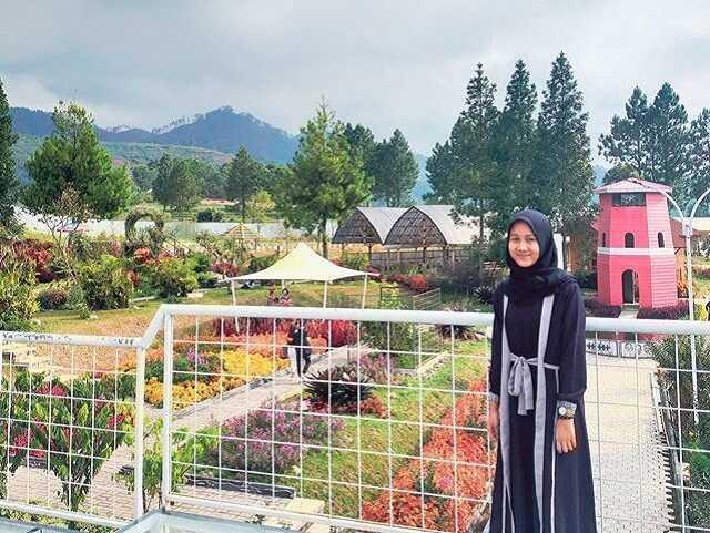 panorama wisata taman anggrek tegal