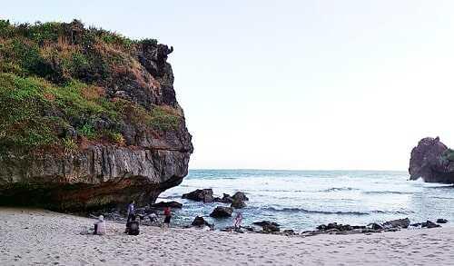 pantai ngrawah